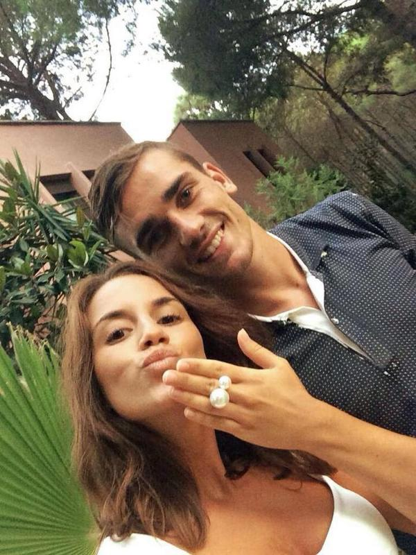 "Football WAGs' on Twitter: ""Antoine - 87.3KB"
