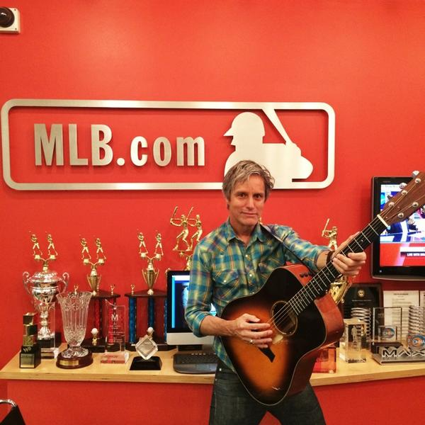 Wow! got 2 go 2 @mlb headquarters 2day in NYC 2 record my new song bout Tony Gwynn When it's online I'll let ya know http://t.co/opmF2yneiF