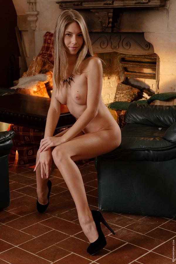 Русская анжелика с подружками порно 22 фотография