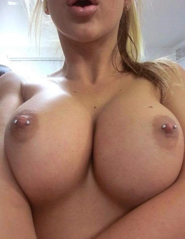 Nude Selfie 2742