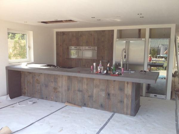 """Jean-Paul Walker on Twitter: """"Deze houten keuken van oude ..."""