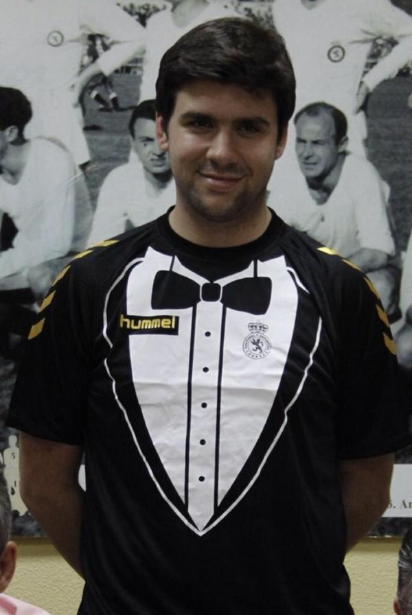 Suits you Sir: Spanish Segunda B side Cultural Leonesa unveil the Tuxedo kit