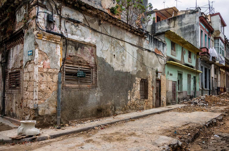La Cuba 'cruda' de Yusnaby BtJ9xPNCQAANeFi