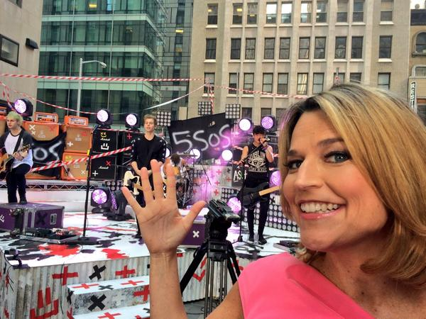 "@SavannahGuthrie: ""Look it's @5SOS!"" @TODAYshow #5SOSTODAY #5SOS #5SecondsofSummer http://t.co/c9xIRqV4TH"