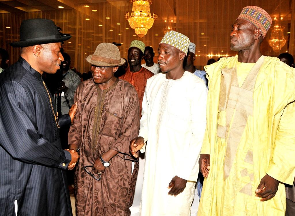 BtKS8vpCQAEj y8 - I plan to visit Chibok after abducted girls' freedom -Jonathan
