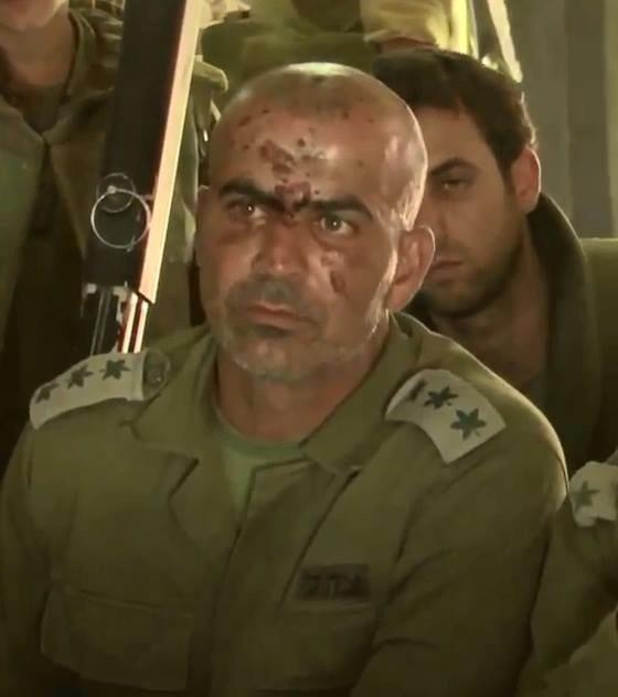 العقيد غسان عليان .... اول ضابط غير يهودي يقود لواء غولاني الاسرائيلي  BtKkzf4CAAE-GQu