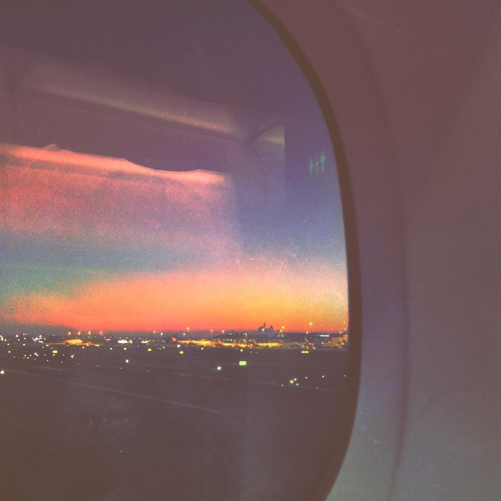 Twitter / jnxyz: Colours of an early arrival... ...