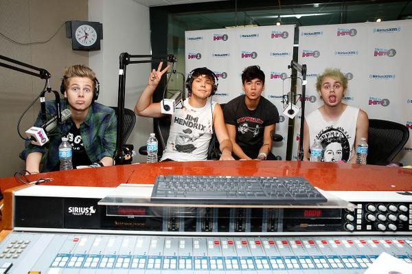 The guys of @5SOS in studio bringing you their EXCLUSIVE track-by-track of their album RIGHT NOW! #5SOSonHITS1 http://t.co/IbOaNNRkUL
