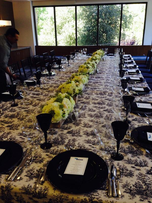 Thanks @McCallsCatering Ready 4 the NEXT fabulous @JohnChinaSVB event #SiliconValley #venturecapital #wine #lovemyjob http://t.co/HSYcgMMwpa