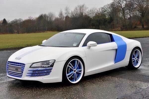"""Really Nice Cars on Twitter: """"White Audi R8 with blue ..."""
