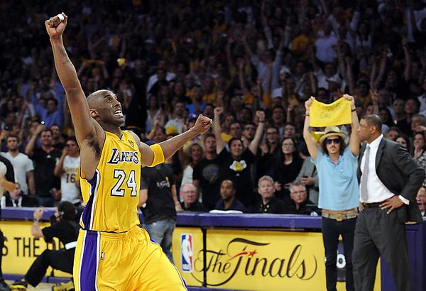 Probably the greatest photo bomb ever by my brother @mrciscoadler RT @LakersNation: Kobe Bryant and Doc Rivers? http://t.co/dXD9n5XJXw