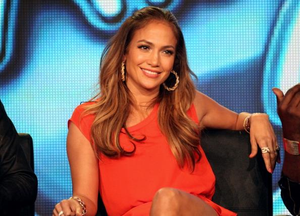J.Lo is 44 and her bikini bod is still completely out of this world: http://t.co/iQkwqYuEbj http://t.co/wMzdLWCgUT