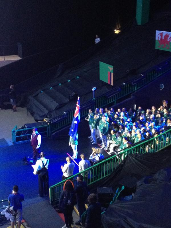 Here come the Aussies... Their dog looks well keen #Glasgow2014 http://t.co/pmd5GNTlD6