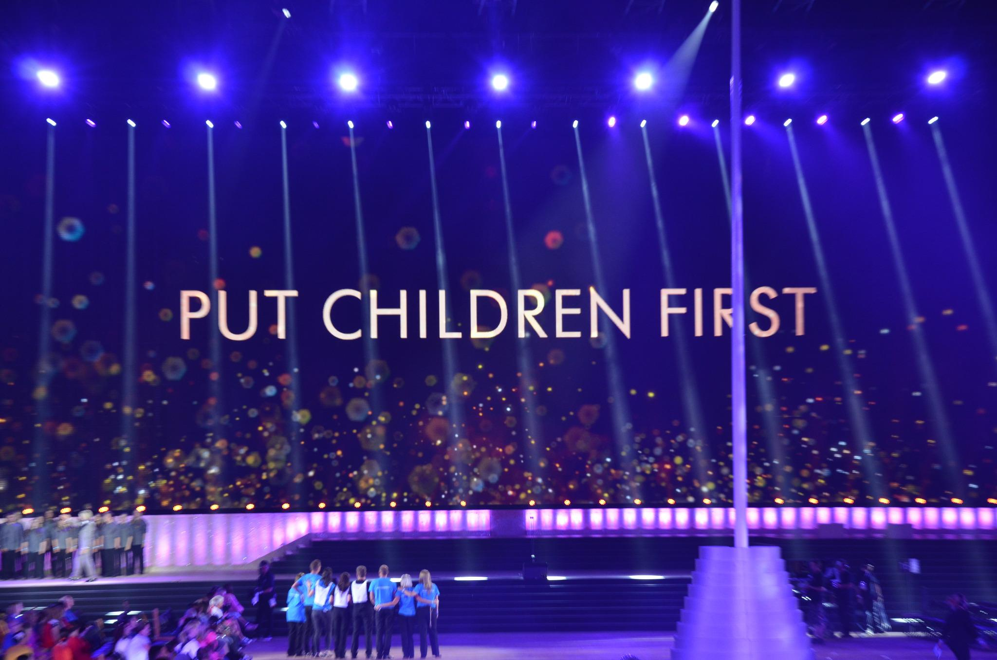 RT @UNICEF_uk: Now is the moment to #PutChildrenFirst. Please text FIRST to 70333 & give £5 to make history around the Commonwealth http://…