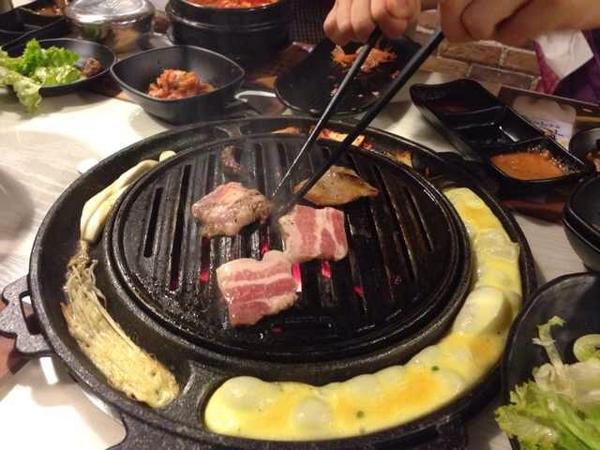 Time for lunch! We go together as a company because another intern is leaving today #kbbq http://t.co/ddXaUcAqwH