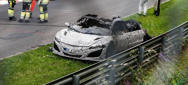 The new NSX just burned to the ground at the Nürburgring http://t.co/cLGYTrSzv9 http://t.co/ppf822aThZ