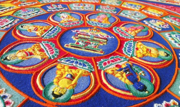 These monks have created a beautiful piece of art using millions of coloured grains of rice: http://t.co/FYyrRRq14R http://t.co/JYhd11IU0o