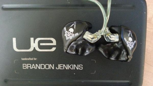 Awesome in ear monitors! http://t.co/8QxUEkbt58