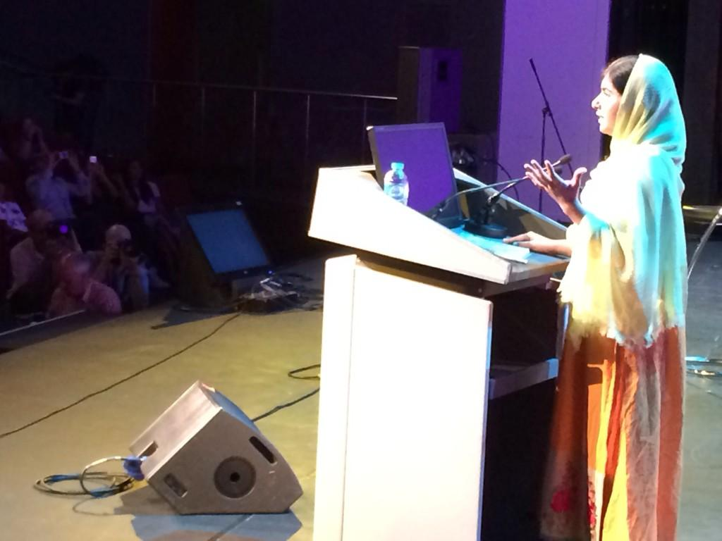 Now @Malala takes to the stage - for the @WorldMeritHQ day keynote! http://t.co/YFYzVJsgYO
