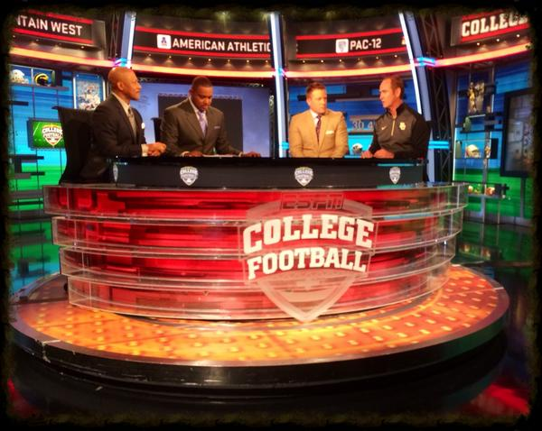 Here's @CoachArtBriles on the set of College Football Live. Be sure to tune in on ESPN or WatchESPN at 1:30pm CT. http://t.co/Vc8zFwd8Mm