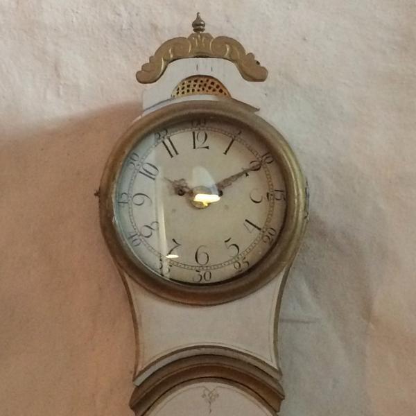 Kaikella on aikansa #naantali #tiistai #luostarikirkko #kaappikello #1878 #Birgitta  #armonlaakso @JanAhonen http://t.co/pkff1K1hoa