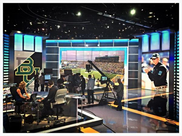 Here we go. @CoachArtBriles on the ESPN SportsCenter set. #SicEm http://t.co/Eh7HAD3e4N