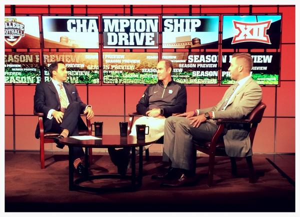 .@CoachArtBriles and Kliff Kingsbury join Joe Tessitore on @espncfb Championship Drive Roundtable. #ESPNBIG12 http://t.co/ouSZKLaa2u