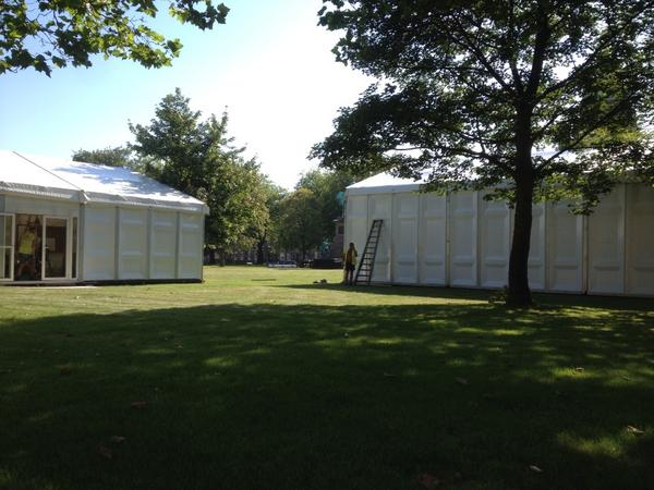 One of the great sights of an Edinburgh summer - the @edbookfest tents going up in Charlotte Square Gardens! http://t.co/ercu8feU6Q
