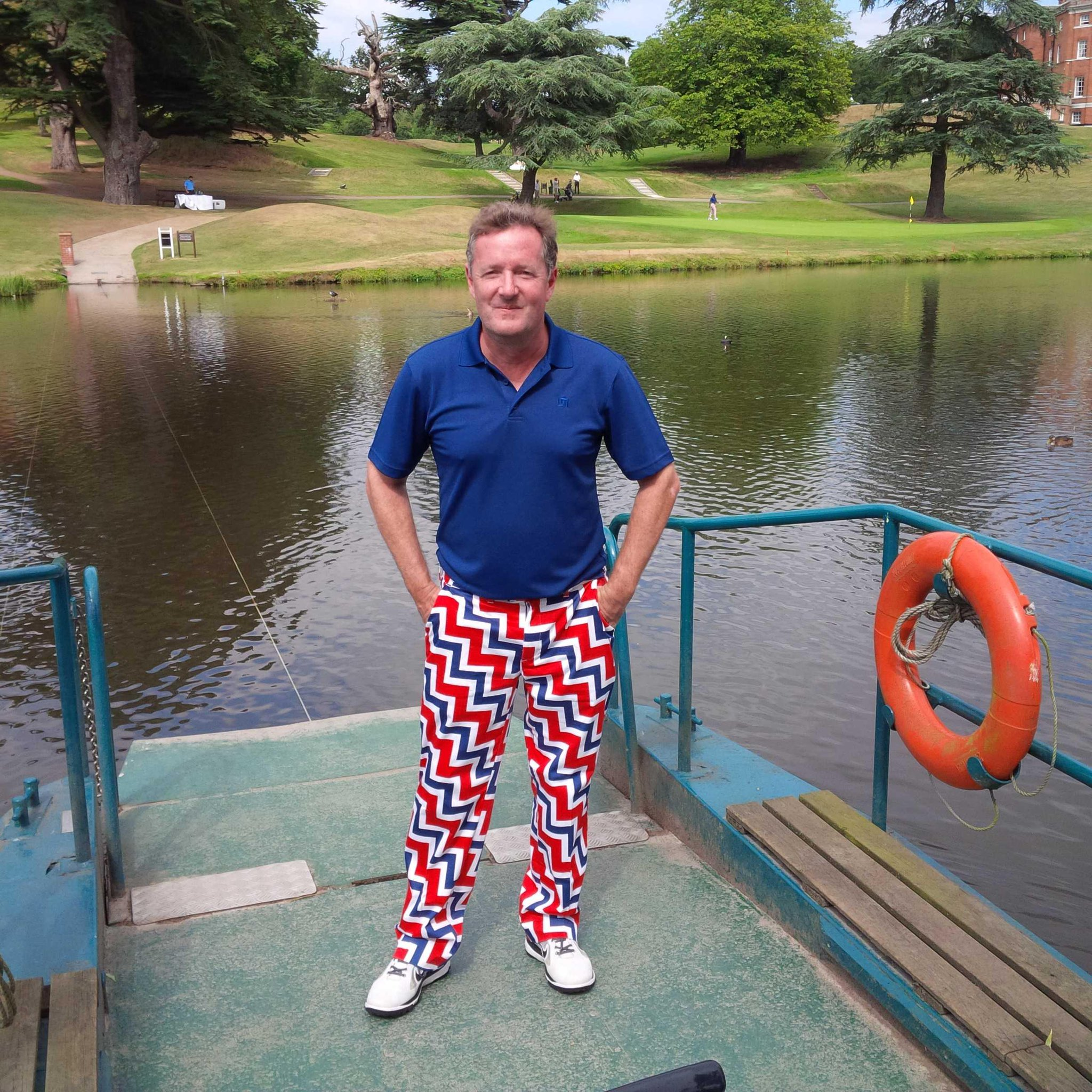 Getting a lot of hammer from @IanJamesPoulter for these fetching golf trousers. But I love them > http://t.co/BmqUNqV5KR