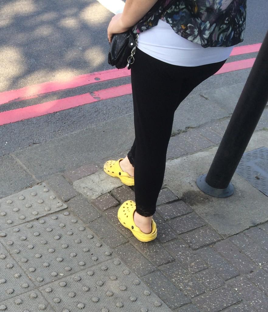 LAST PAIR OF CROCS SPOTTED IN UK: http://t.co/grlFWiksD4 (via @timoncheese)