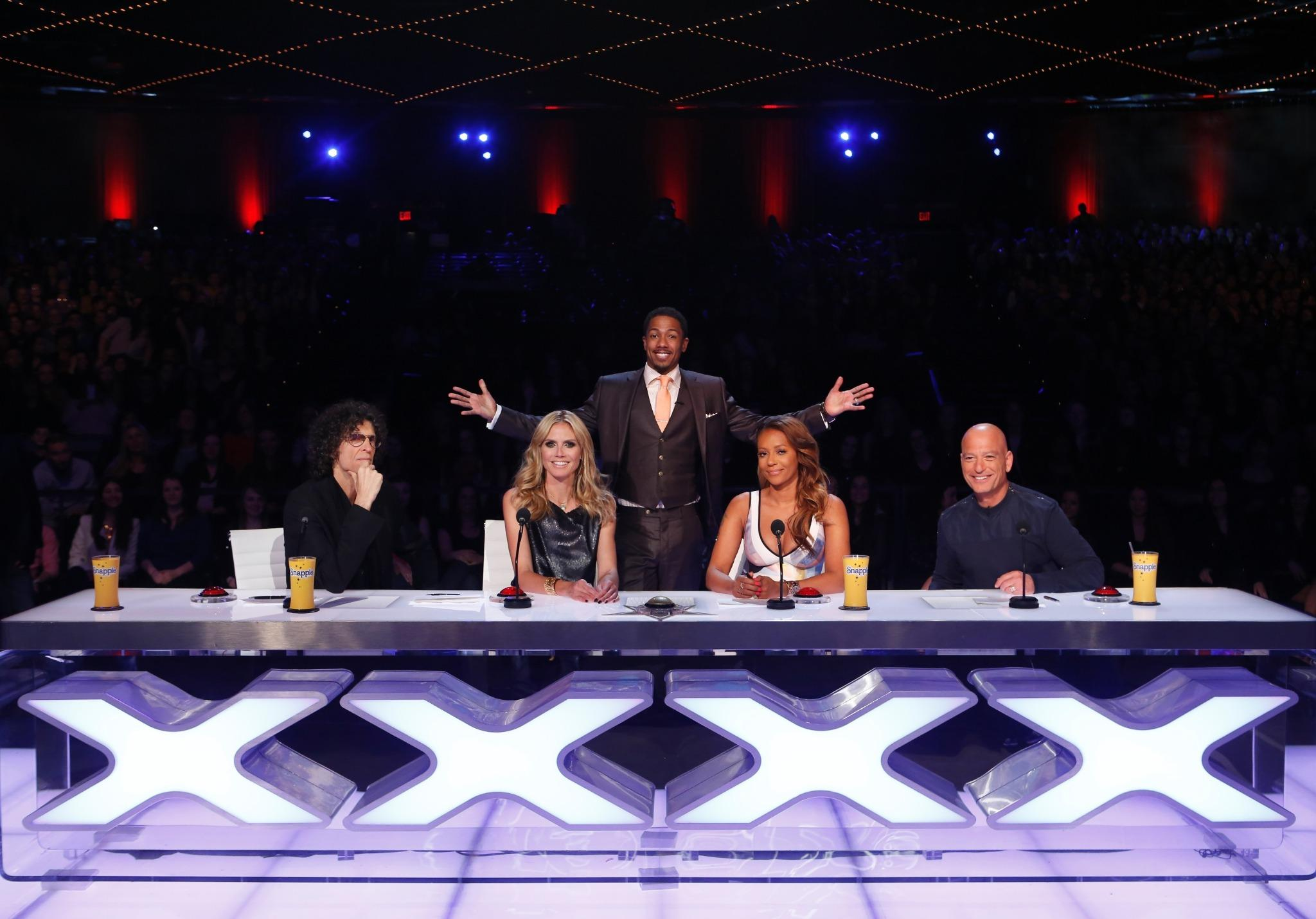5 days til @nbcagt live shows! Can't wait to be back with @HowardStern @OfficialMelB @howiemandel & @NickCannon! #AGT http://t.co/6DcD5BvDaI