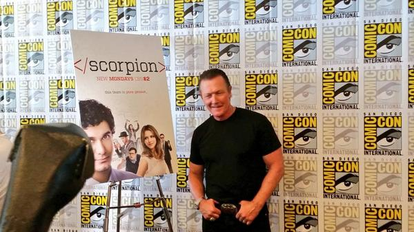The ever-charming @robertpatrickT2 @robertpatrickT2 arriving for #ScorpionSDCC http://t.co/F34GbE3ytH