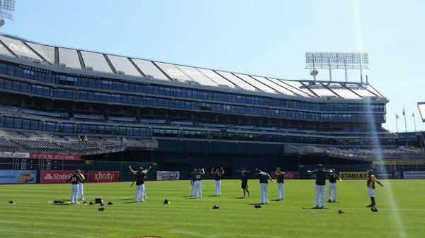 Beautiful day for some Oakland baseball. Who's coming? http://t.co/HvcZuhoWn0