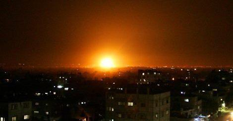 This is not the sunset, this is Israel bombs falling on Gaza #GazaUnderAttack http://t.co/KMvvHkyYrJ