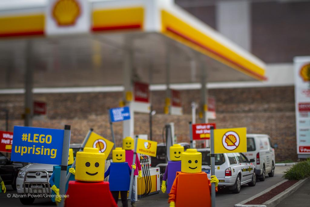Twitter / GreenpeaceAustP: Shell's partnership with ...