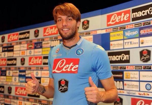 Pic: Michu in a Napoli shirt as joins the club on loan