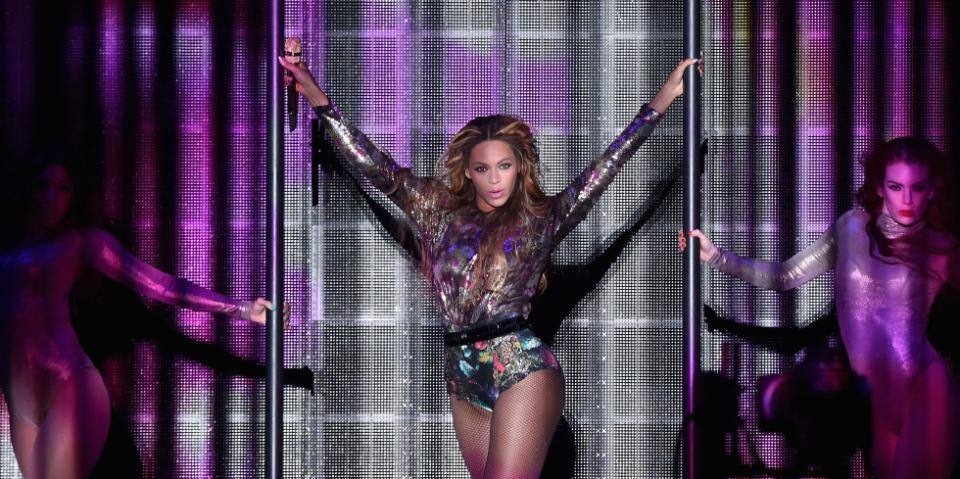 How Beyoncé got involved with the greatest movie trailer of our time: http://t.co/zPY3MMRjU8 http://t.co/nyIIixSoMF