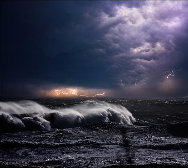 """@AvellarPaulo: Dynamic Photos of the Ocean During Powerful Storms ... http://t.co/x3begJm0cV http://t.co/m7CeErRJJB"" @mymodernmet"""