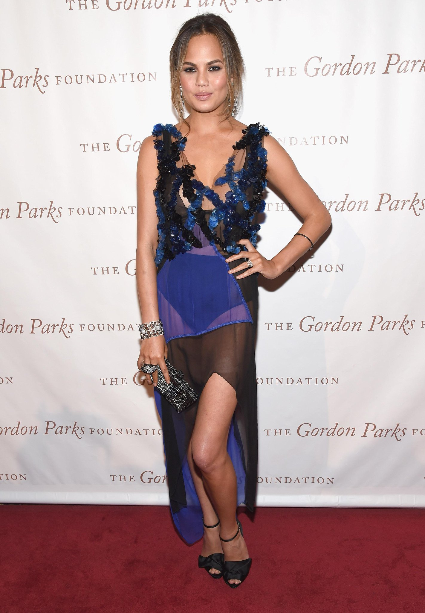 These 9 @ChrissyTeigen looks simply cannot be beat: http://t.co/bBwamQYwBh http://t.co/qo45tNSFtC