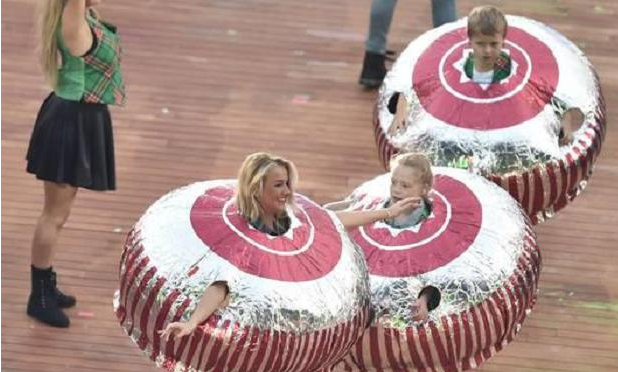 RT @ScottishSun: Tunnocks bombarded with calls from fans wanting to dress as teacakes following games opening http://t.co/jRxkjytueC http:/…