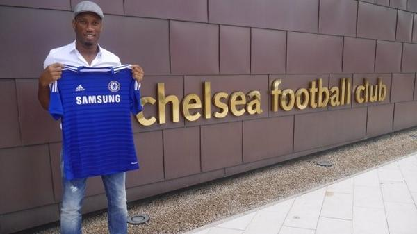 Didier Drogba returns! Chelsea resign the striker on a one year deal [Pictures]