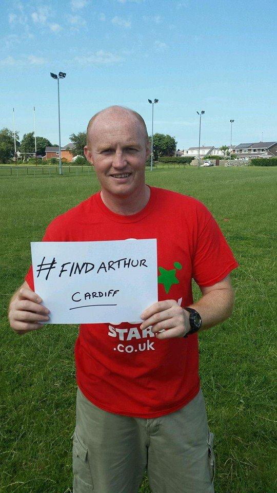 welsh and british lions rugby legend, martyn williams doing his but to support the #findarthur appeal <br>http://pic.twitter.com/DaqwKTfNiX
