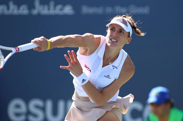 What a match! @andreapetkovic d. #VenusWilliams 6-1, 3-6, 7-5 to advance to the Semifinals! #BOTWClassic http://t.co/g8JrXDia0M