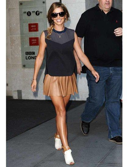 We love @CherylOfficial's latest look, the @AlexanderWangNY skirt is spot on http://t.co/XuLIIU3sR3 http://t.co/yfe3tsBmQ6
