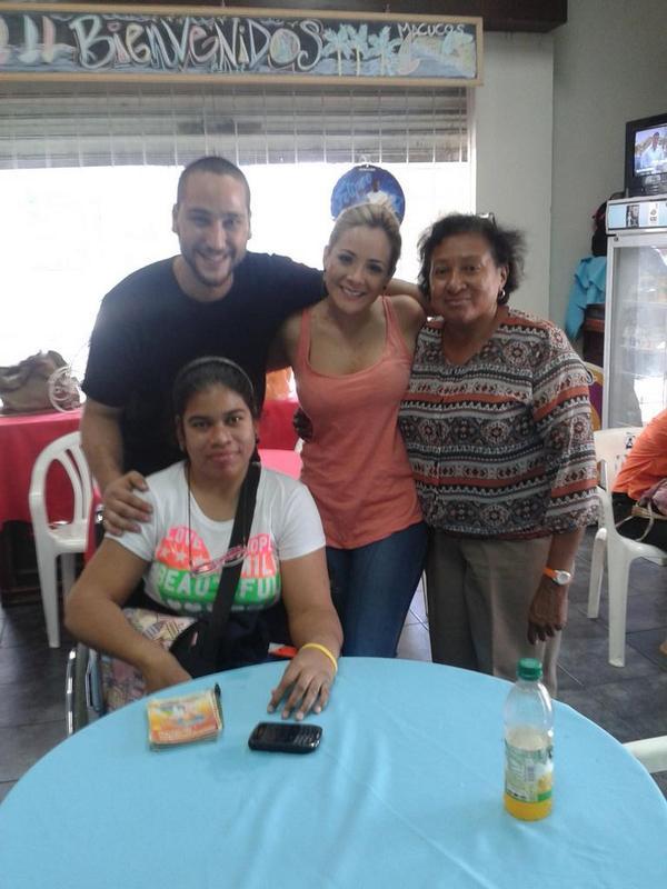 Gracias @mariajoseloor2 por venir a @Macucoscafe :) http://t.co/DNuivyg3Yn