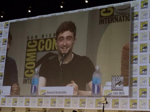 All 6500 people in Hall H just sang 'Happy Birthday' to Daniel Radcliffe. #sdcc http://t.co/1B7ykkk4Rv