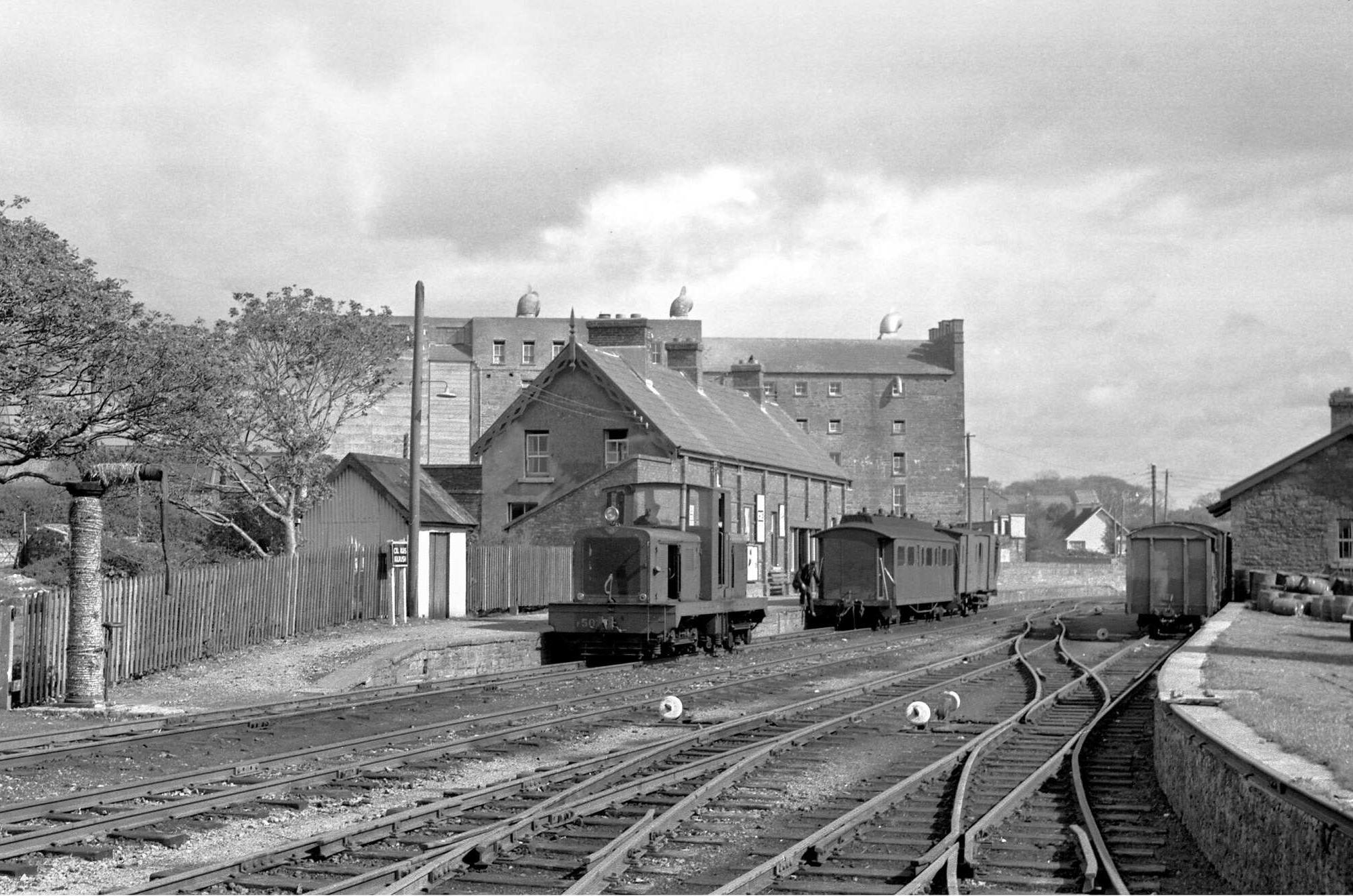BtbJNtNIgAAE Yr?format=jpg&name=large - The West Clare's modernisation era