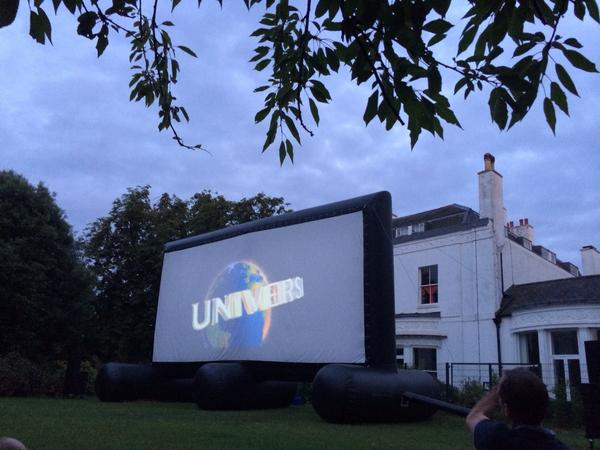 Fab night watching Shaun of the Dead outside in Blackheath, thank you @popupscreens (& @simonpegg & @edgarwright) :) http://t.co/HY72N1ITtu