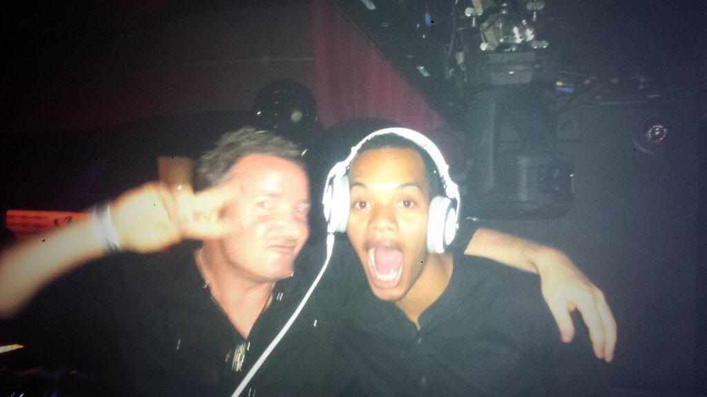 Smashedddd itttttttt RT @jackeyejones: Yasssss my good friend Harley @RizzleKicks joined me in the booth at @GCibiza http://t.co/CVoWv5zJvT