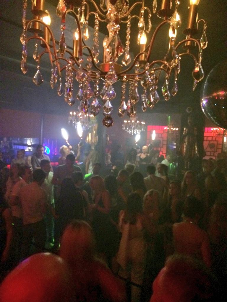 Just how we do @sugarhut it's called  #FamousFriday for a reason. http://t.co/UmttJH5KPG
